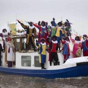 Intocht Sinterklaas en viering op school